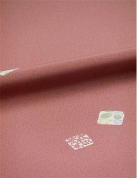 洗える着物 縮緬小紋 幅広 小豆色に色紙 「テイジンシルパール」