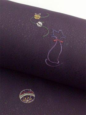 洗える着物 刺繍小紋 猫柄 葡萄紫色 光触媒消臭