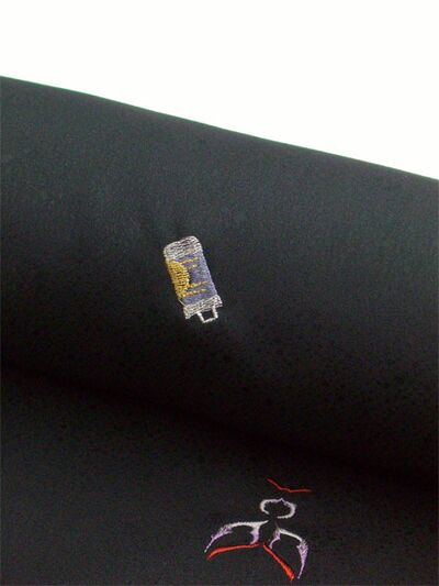 洗える着物 刺繍小紋 かぶき柄 黒 光触媒消臭