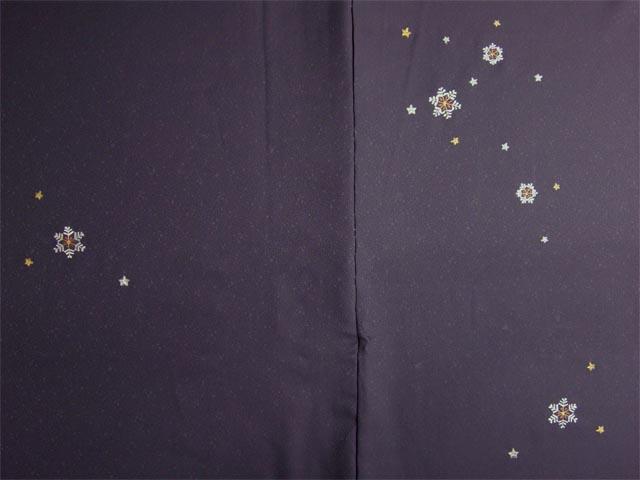 洗える着物 付下げ 刺繍 葡萄色地に雪の結晶 前身頃とおくみ