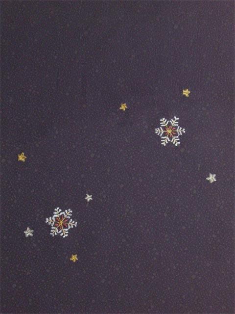 洗える着物 付下げ 刺繍 葡萄色地に雪の結晶 後身頃