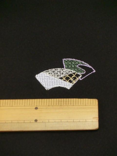 刺繍小紋用日本刺繍 扇と菱 黒地 2 opsisyu-ougihisi-bl-10-2