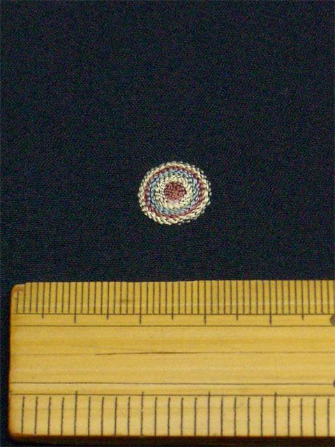 刺繡小紋用 たまゆら柄 拡大写真1 shineup-sisyu-kuro-tamayura-kakudai1.jpg