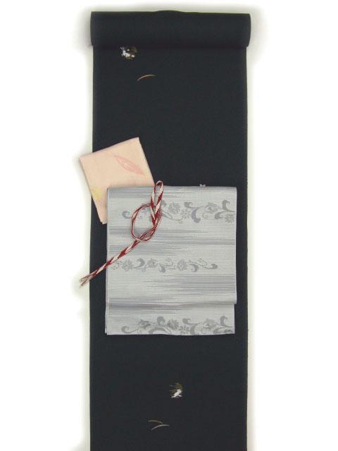 刺繍小紋用 うさぎと月柄 全体写真 shineup-sisyu-kuro-usagi-tate.jpg